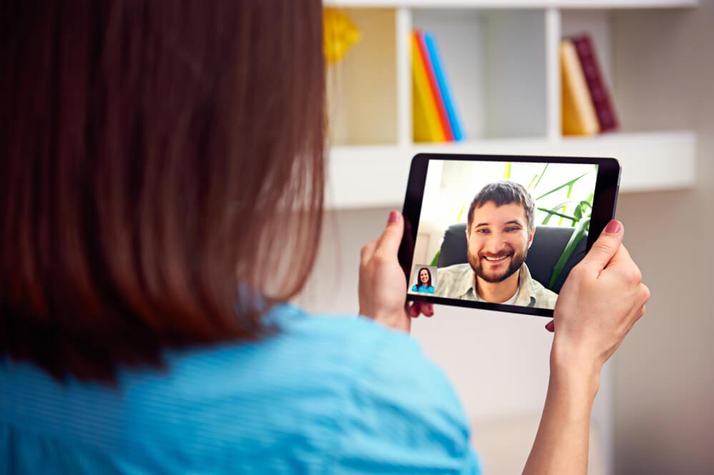 Como vender produtos e serviços na internet através de videos e webnários